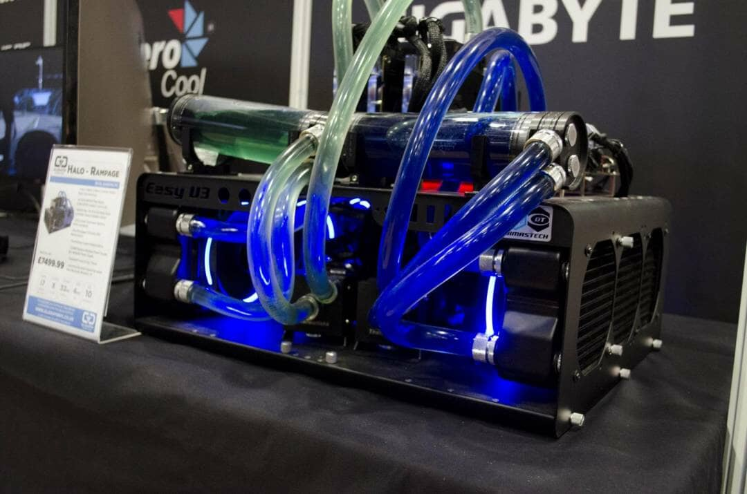Aria and Gladiator PC at Multiplay Insomnia Gaming Festival I55_2