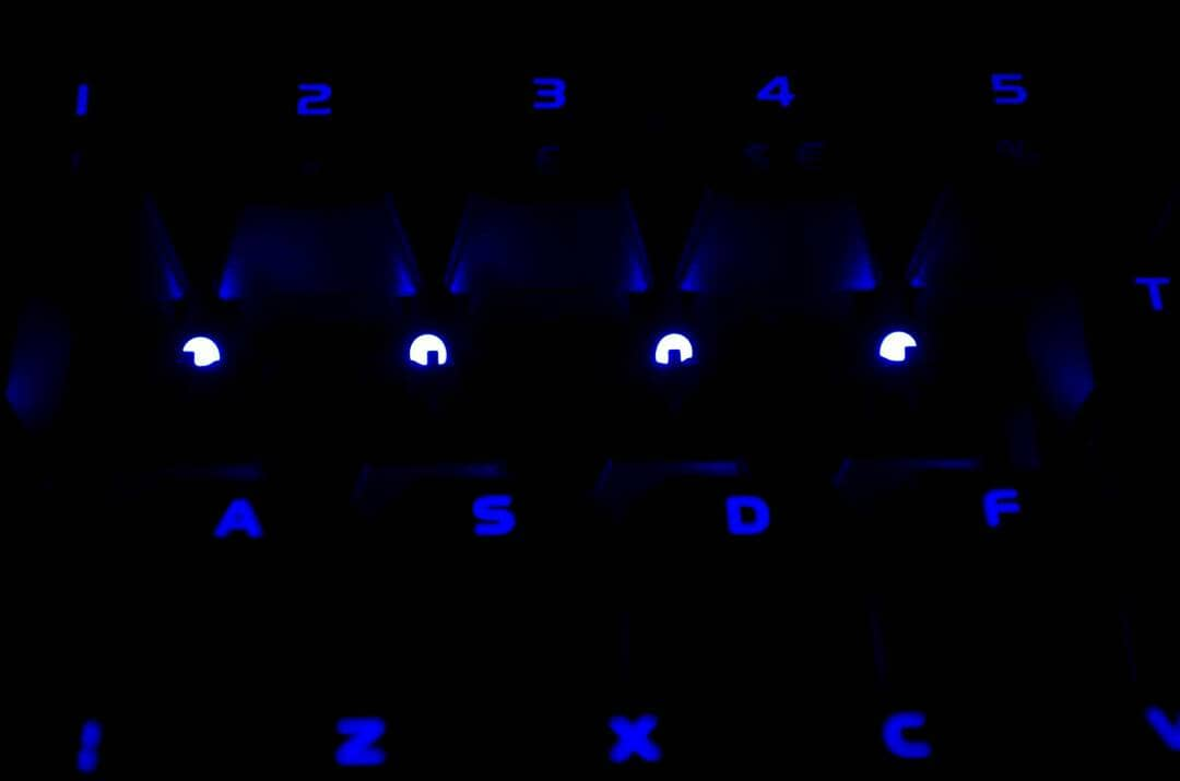 Tt eSPORTS POSEIDON Z Mechanical keyboard with brown switches_23
