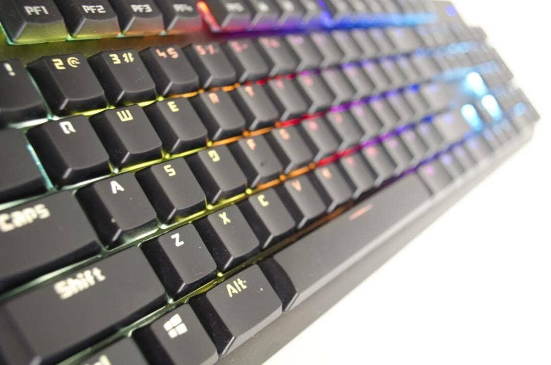 tesoro-gram-spectrum-rgm-gaming-mechanical-keyboard-review