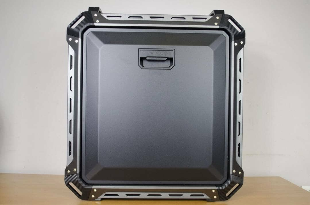 cougar-panzer-max-case-review-_5