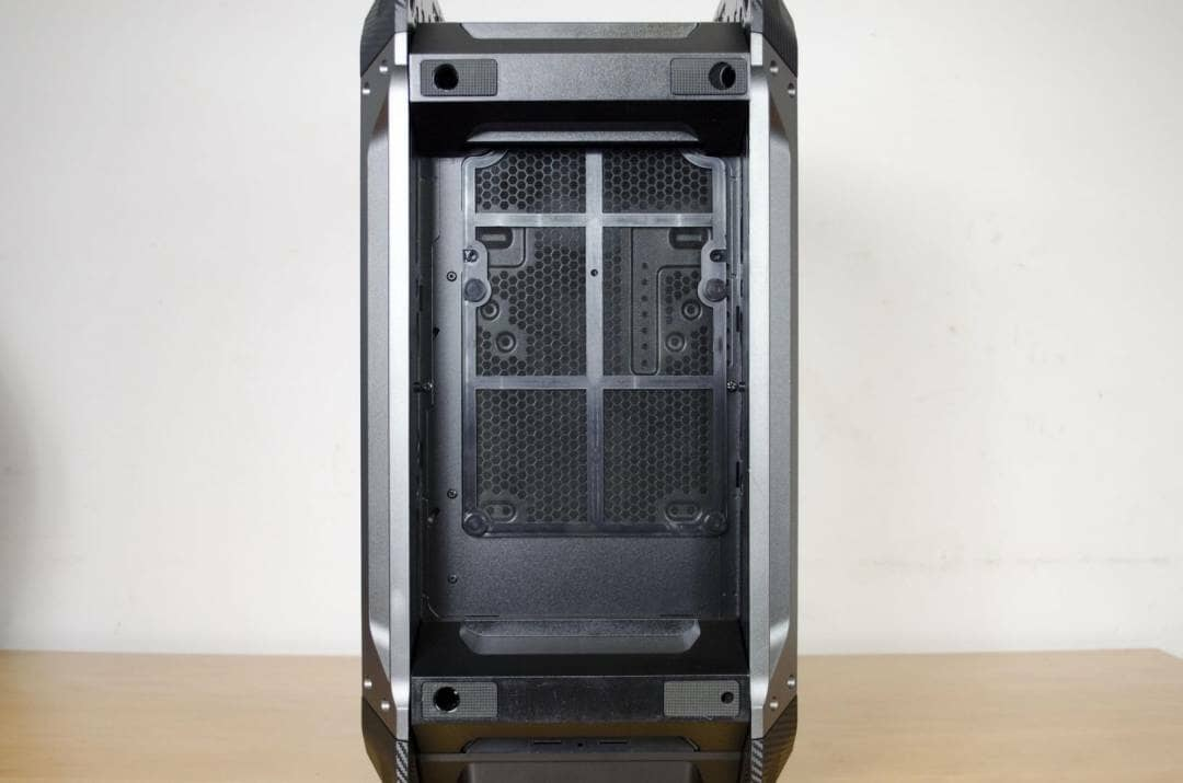 cougar-panzer-max-case-review-_8