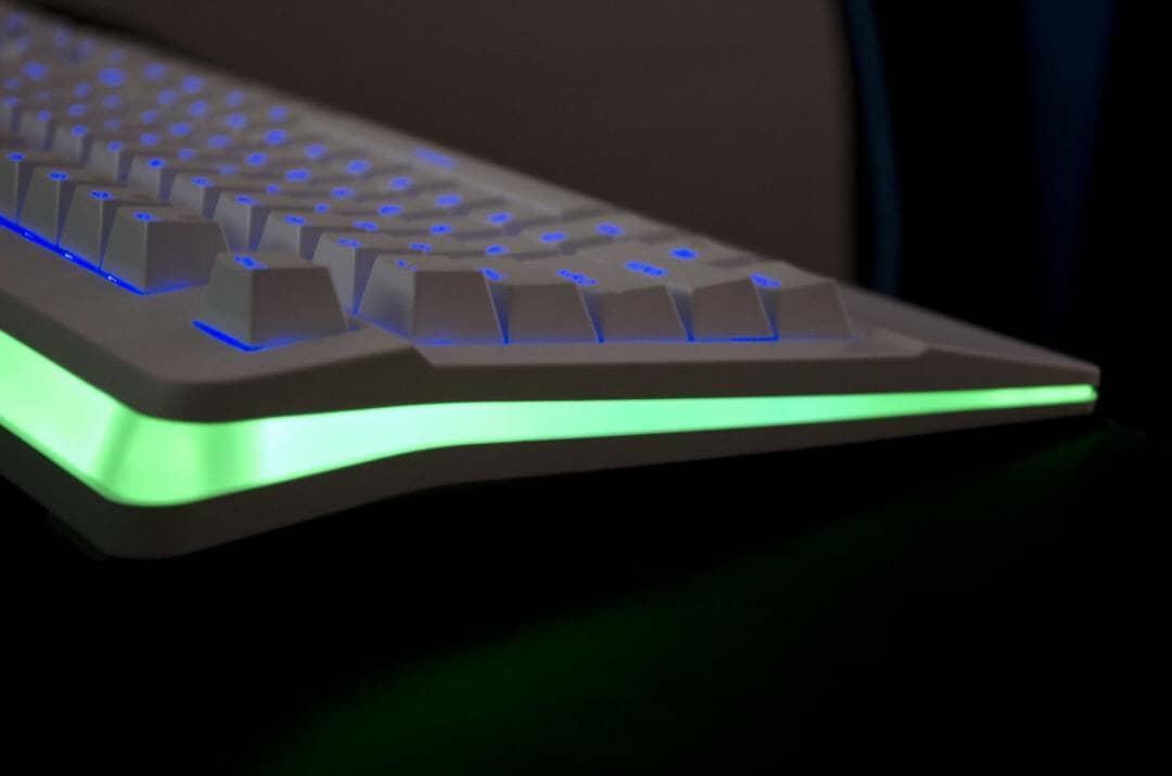 havit hv kb389l rgb mechanical gaming keyboard review_14