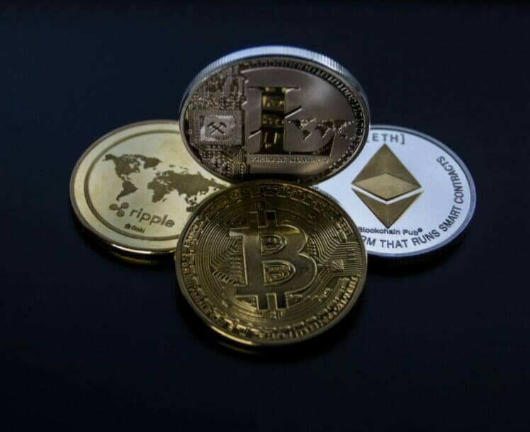 Investing in cryptocurrency and online casinos: What to choose?