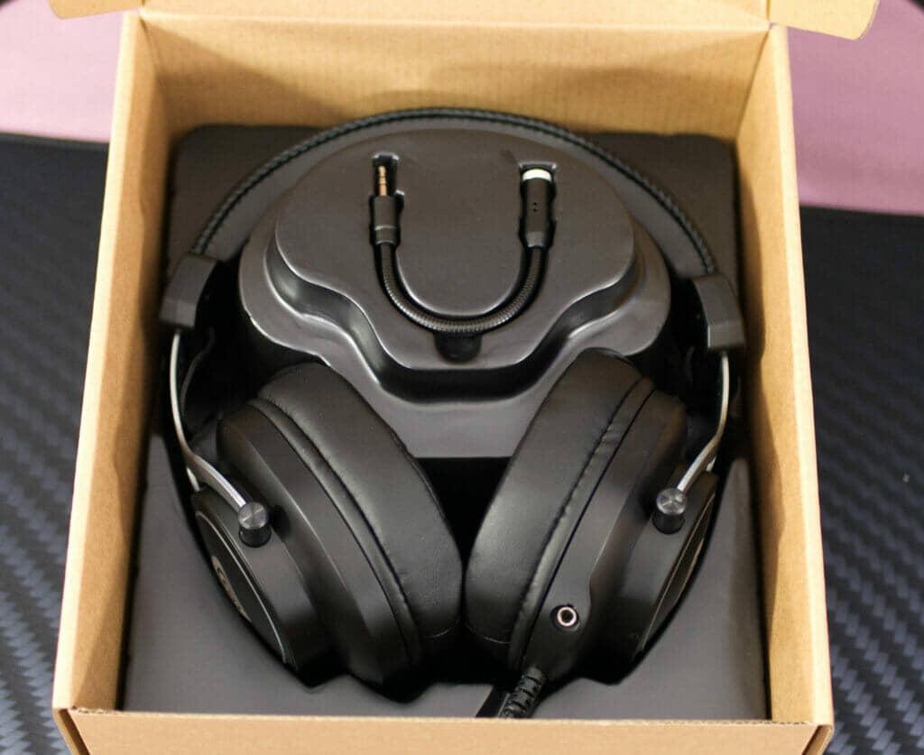 Genesis Neon 750 RGB Gaming Headset box inner packaging